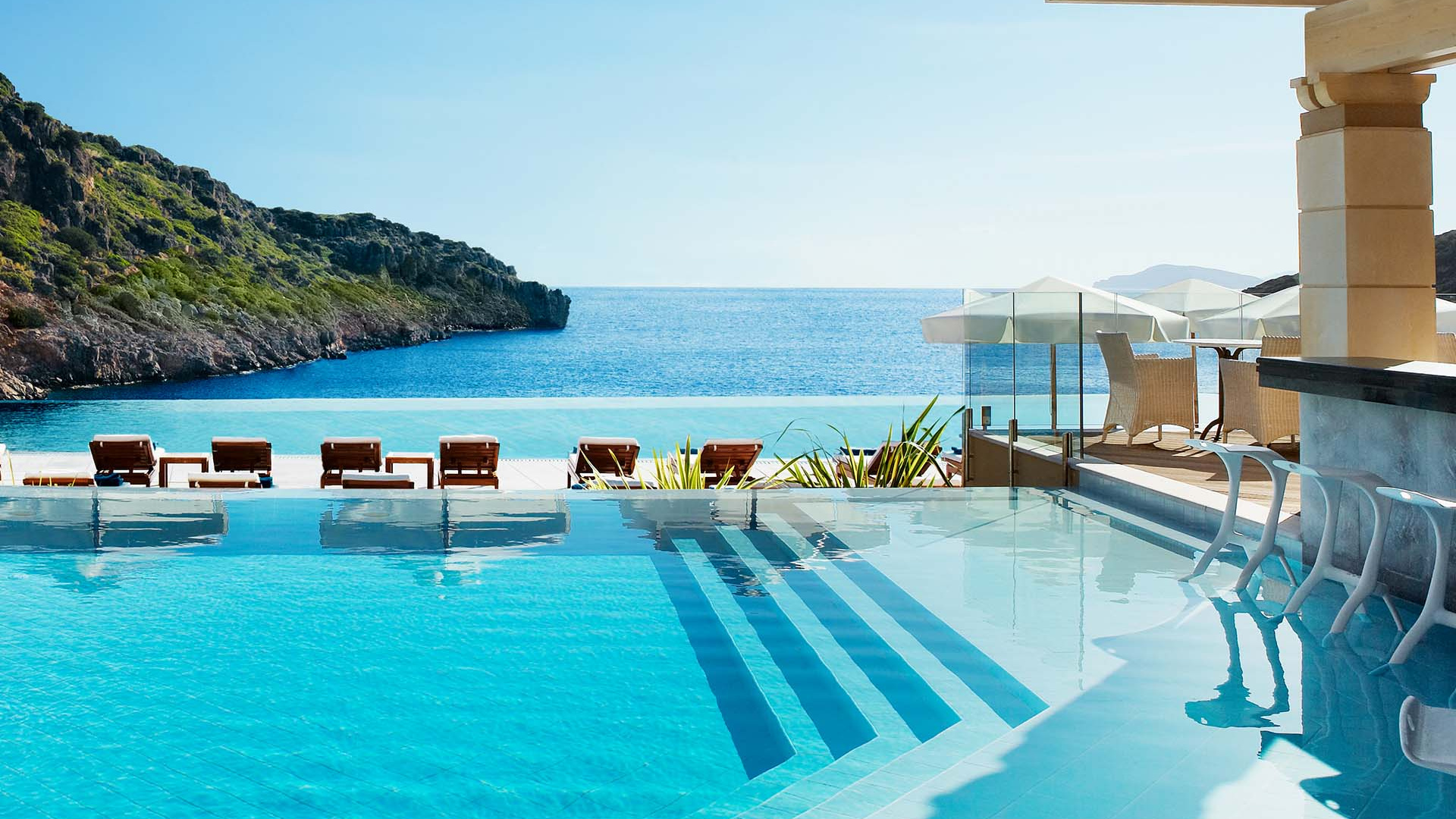 The infinity edge pool at Daios Cove