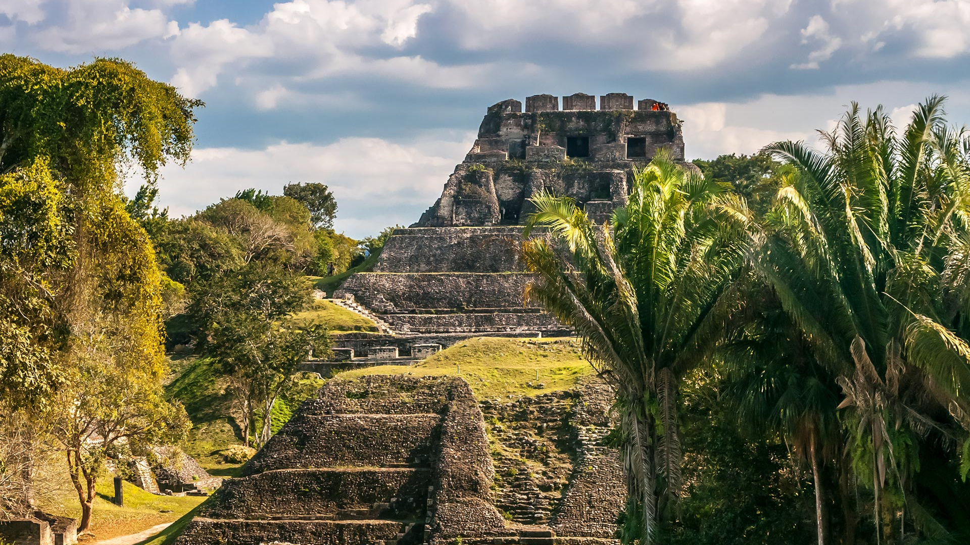 The Maya ruins at Xunantunich in Belize. Photograph by Shutterstock/milosk50
