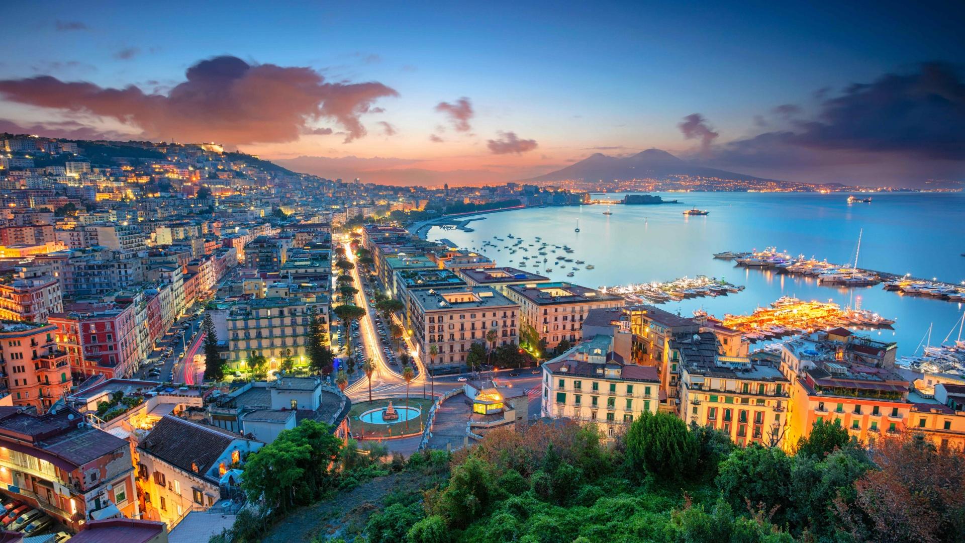 Best city breaks: sunrise in Naples, Italy