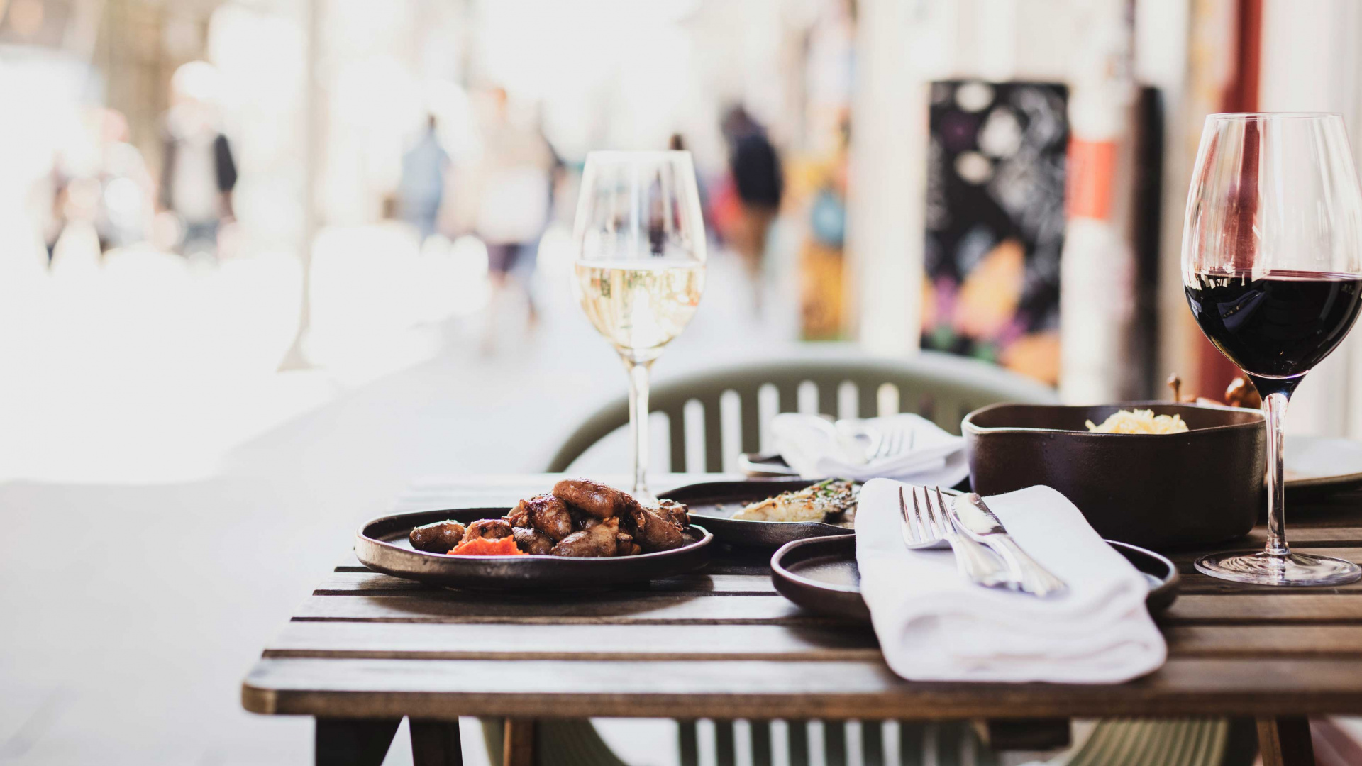 Best food holidays: outdoor dining in Porto, Portugal