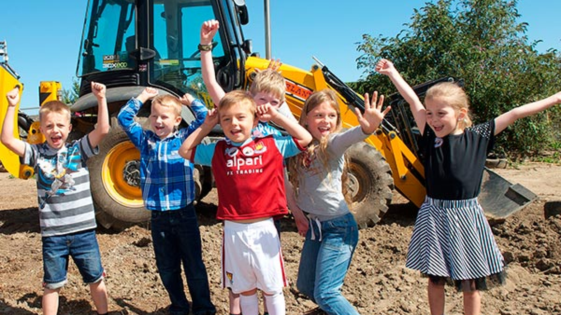 Kids having fun at Diggerland