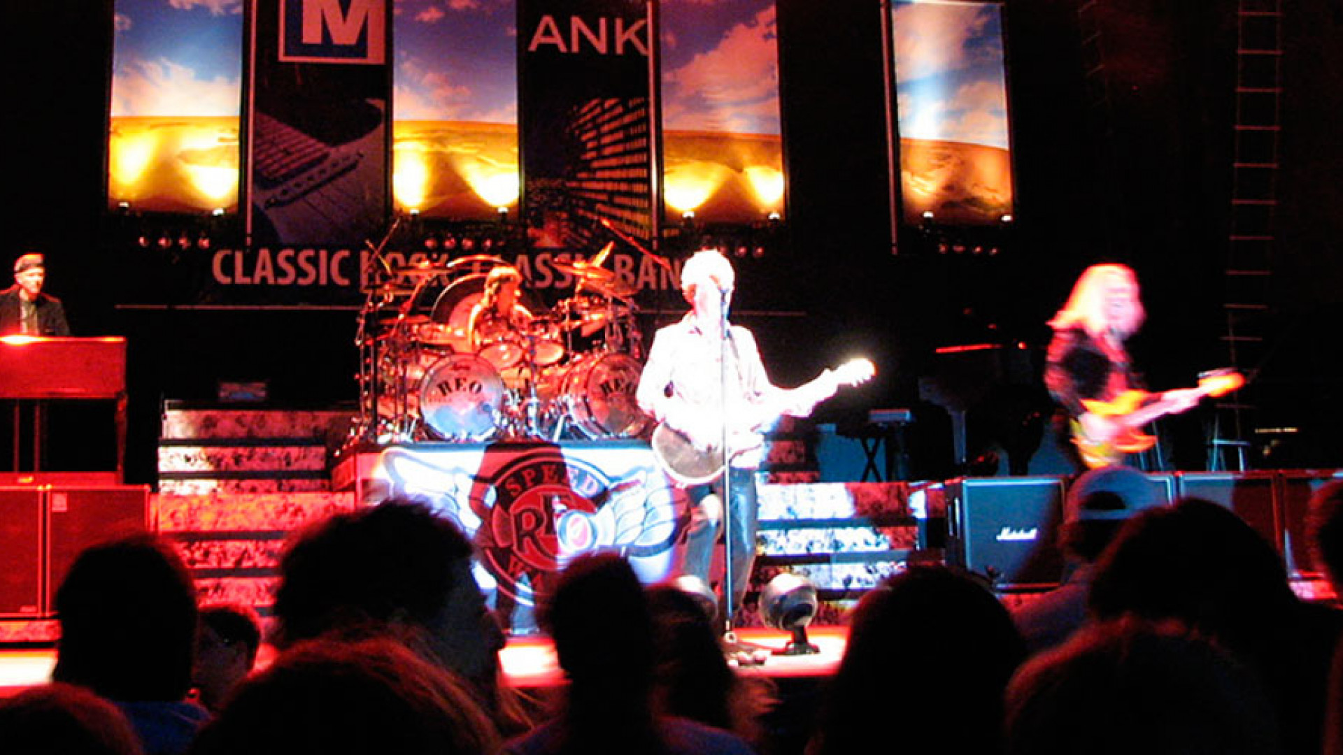 By Anna from Eagle, WI, USA (Summerfest 2007 - REO Speedwagon) CC-BY-2.0