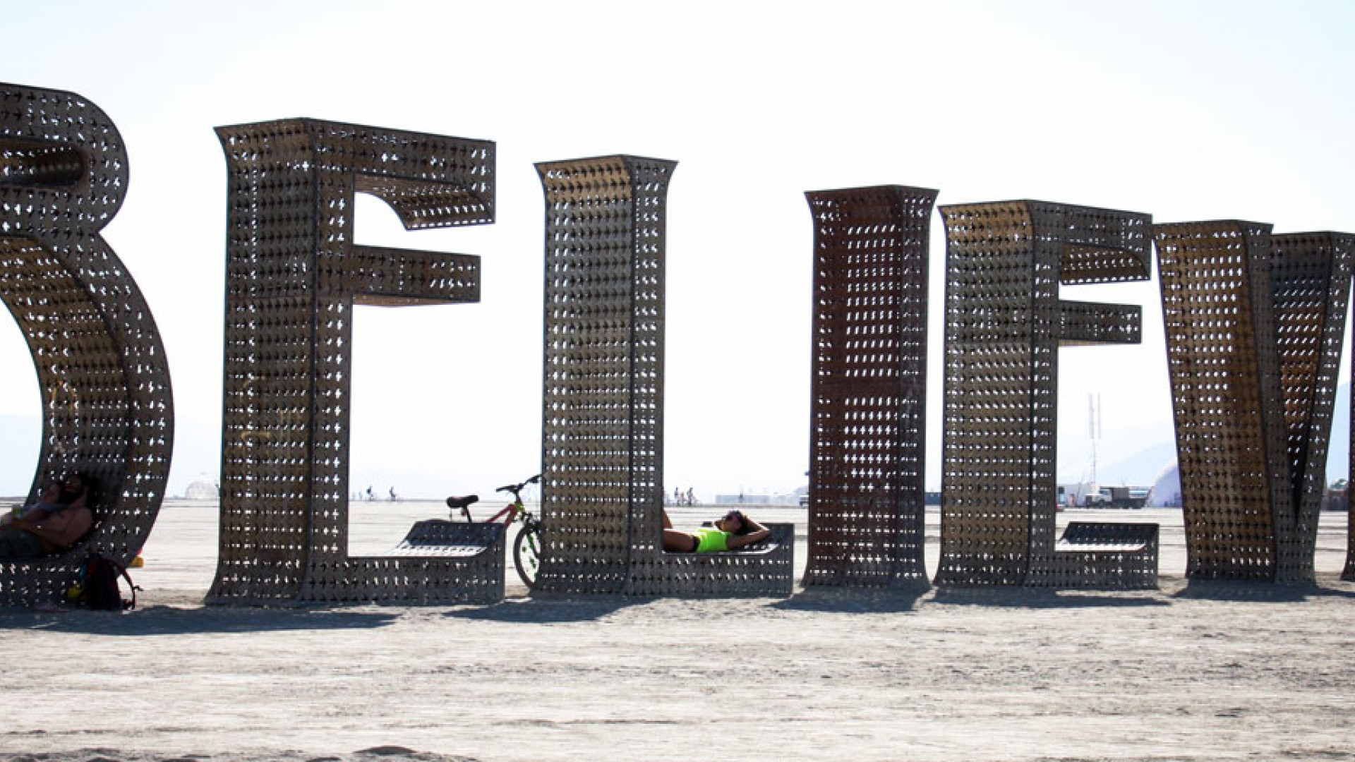 By dvsross (Burning Man 2013 )'( DVSROSS  Uploaded by russavia) [CC-BY-2.0 (http://creativecommons.org/licenses/by/2.0)], via Wikimedia Commons