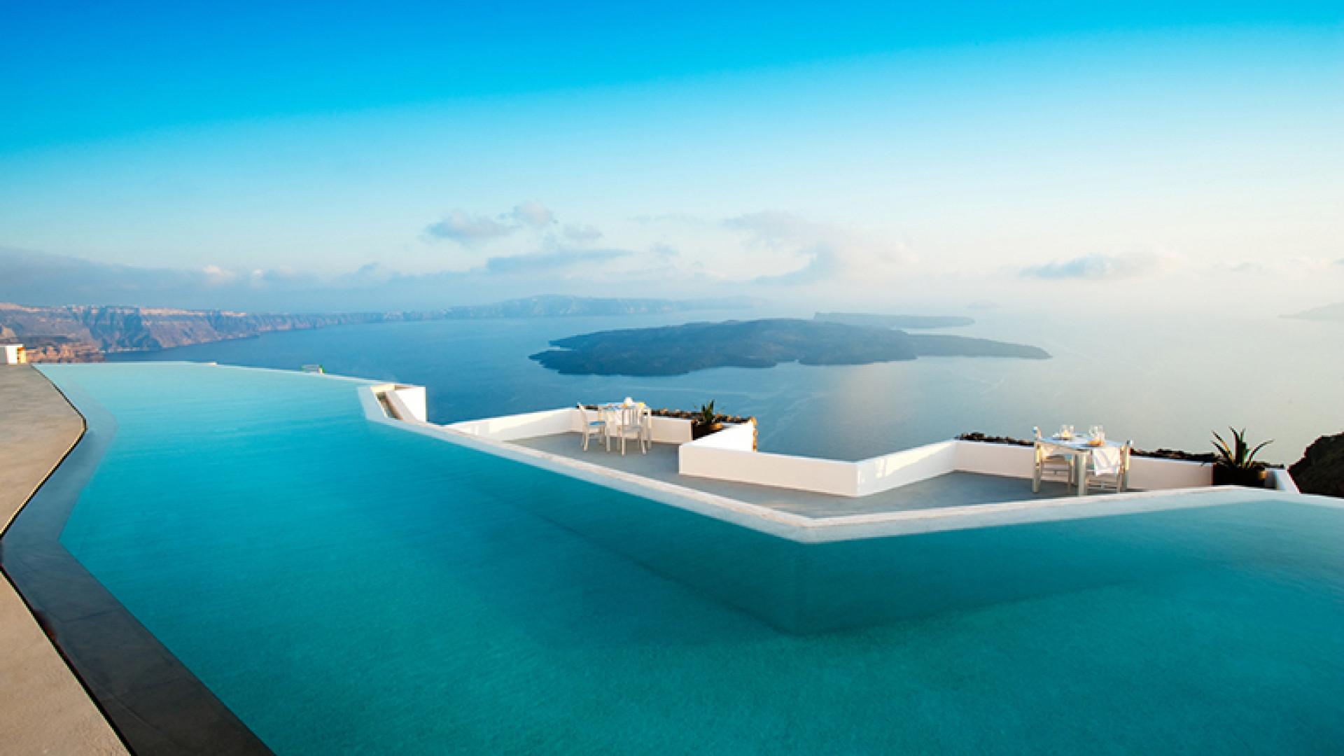 infinity-pool-grace-santorini