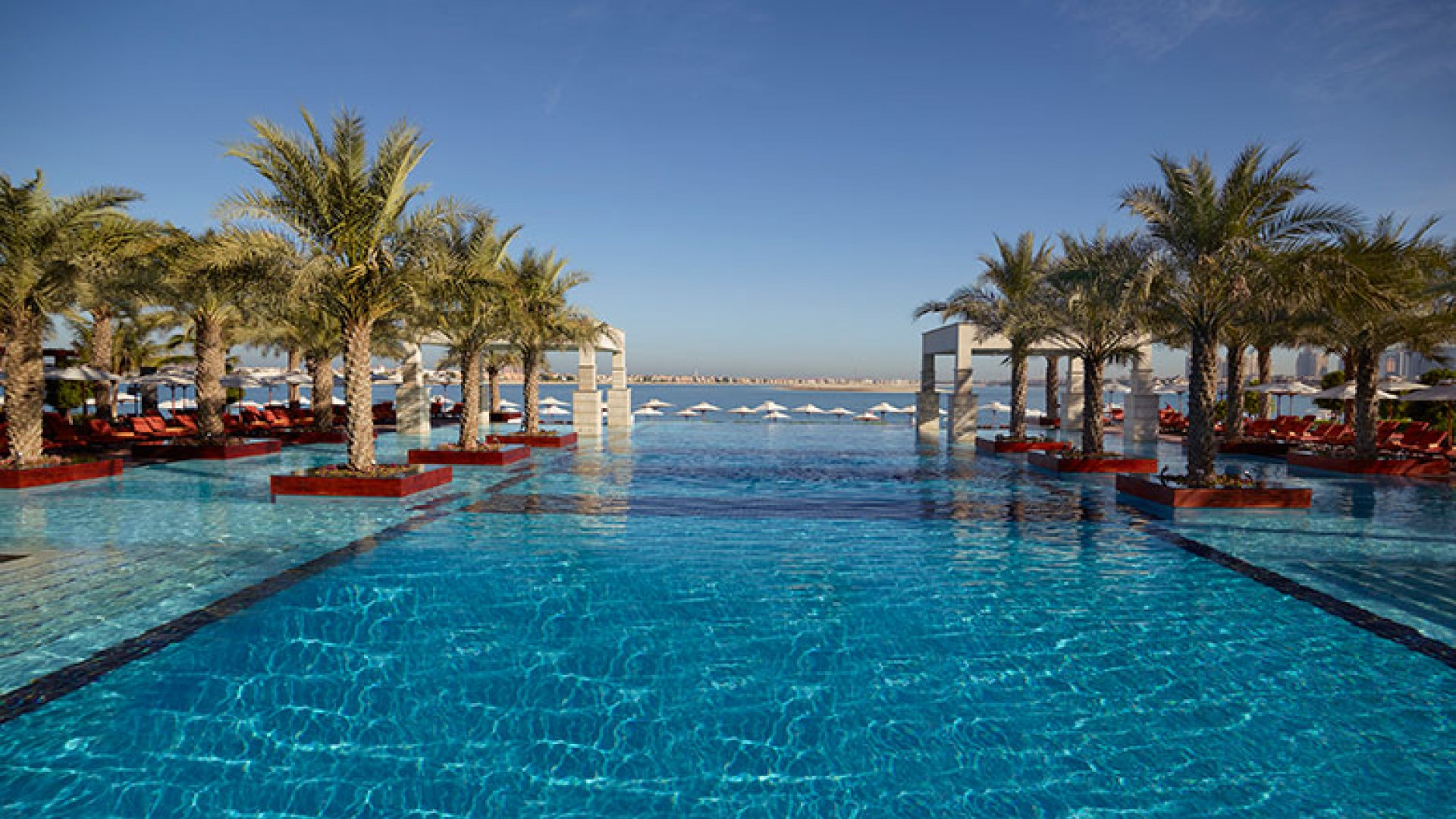 Jumeirah-Zabeel-Saray---Hotel-exterior-swimming-pool-