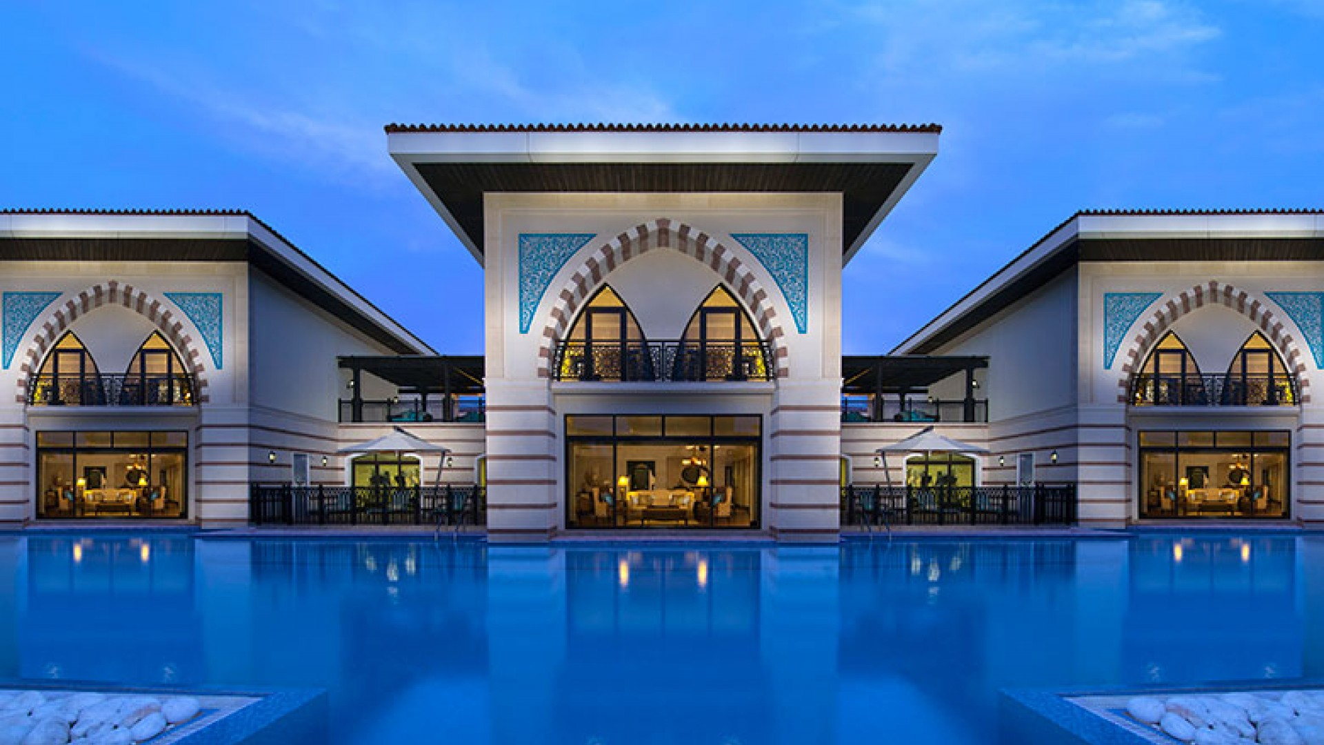 Jumeirah-Zabeel-Saray---Royal-Residences-exterior-sunset-
