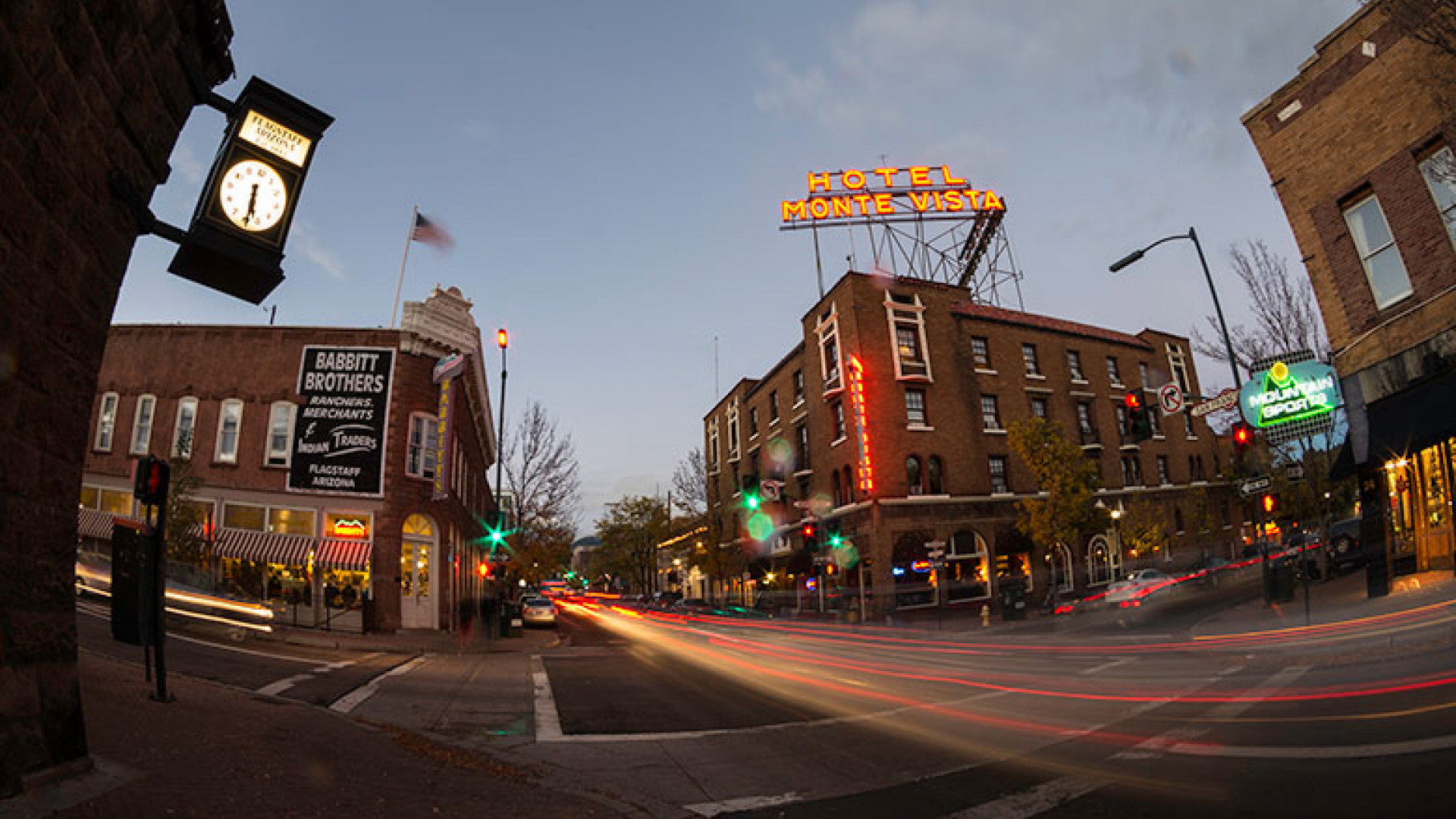 Historic-Downtown-Night_FlagstaffCVB
