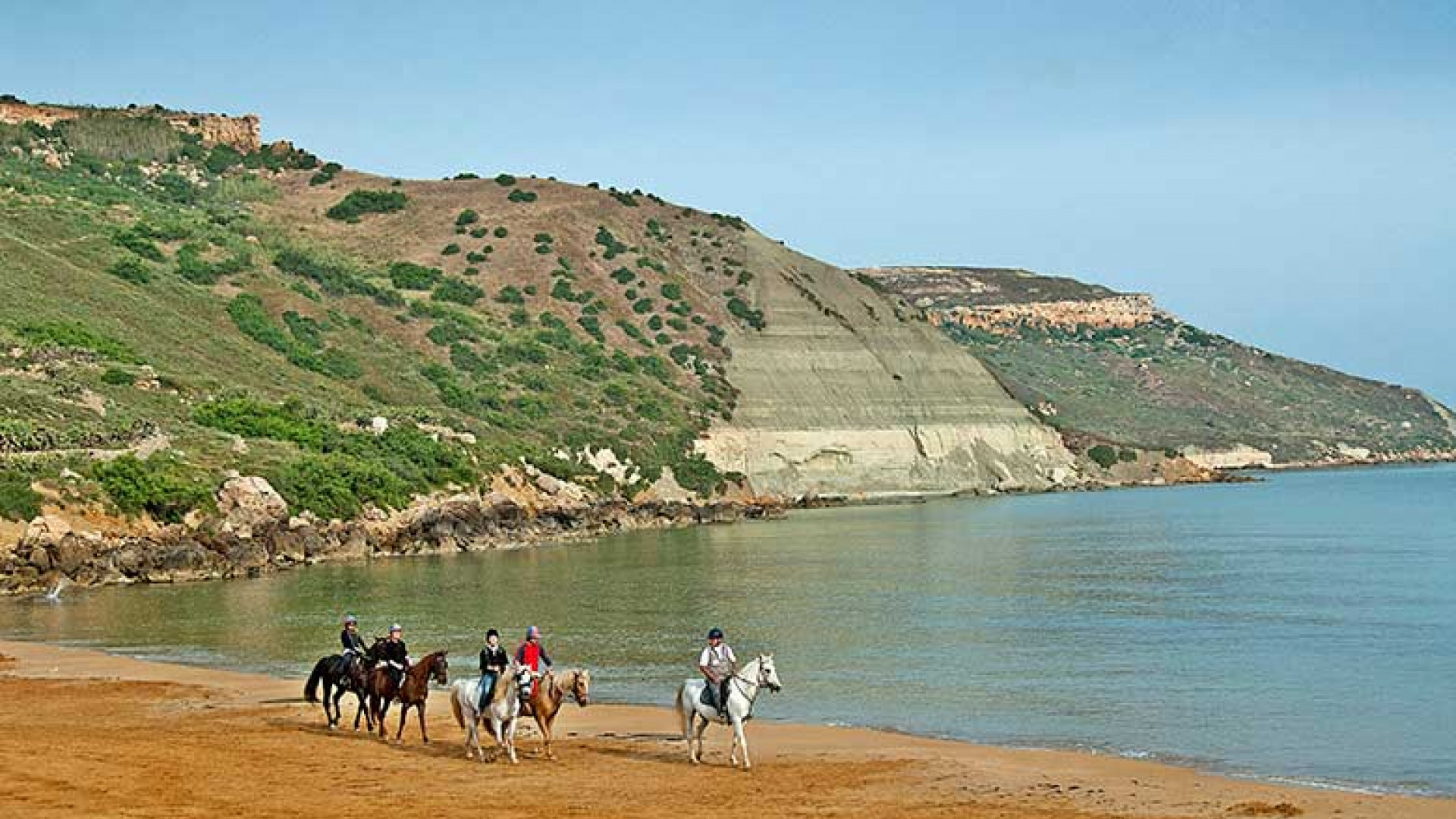 Horse-riding-in-Ramla-l-Hamra