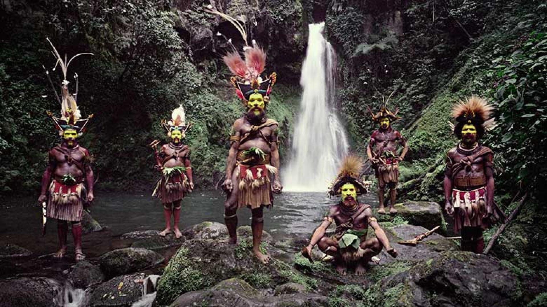 Huli-Wigmen,-Ambua-Falls,-Tari-Valley,-Papua-New-Guinea,-2010