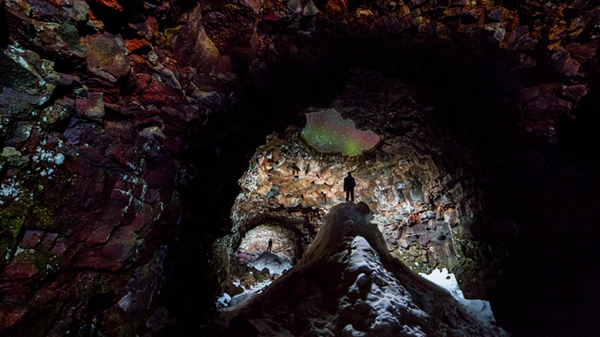Cave-With-Aurora-Skylight-©-Ingólfur-Bjargmundsson