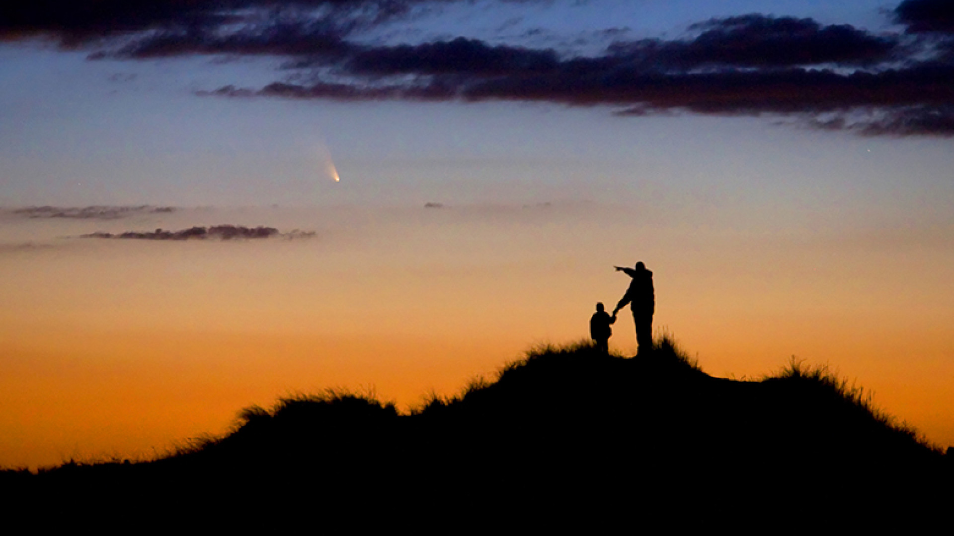 Father-and-Son-Observe-Comet-PanSTARRS-©-Chris-Cook