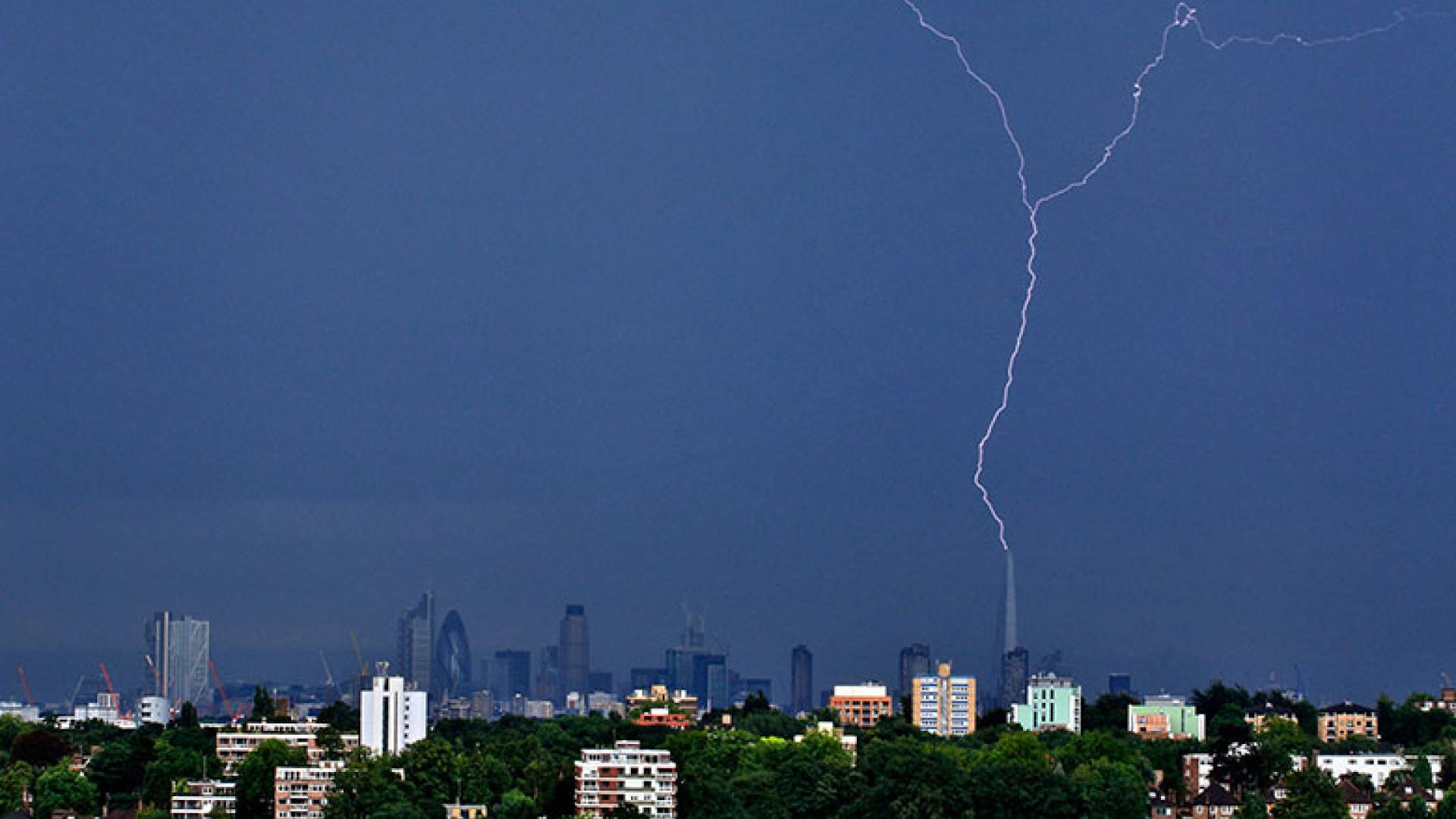Lighting-Strikes-the-Shard,-London-by-Nigel-Morton-(Take-a-view,-2013)