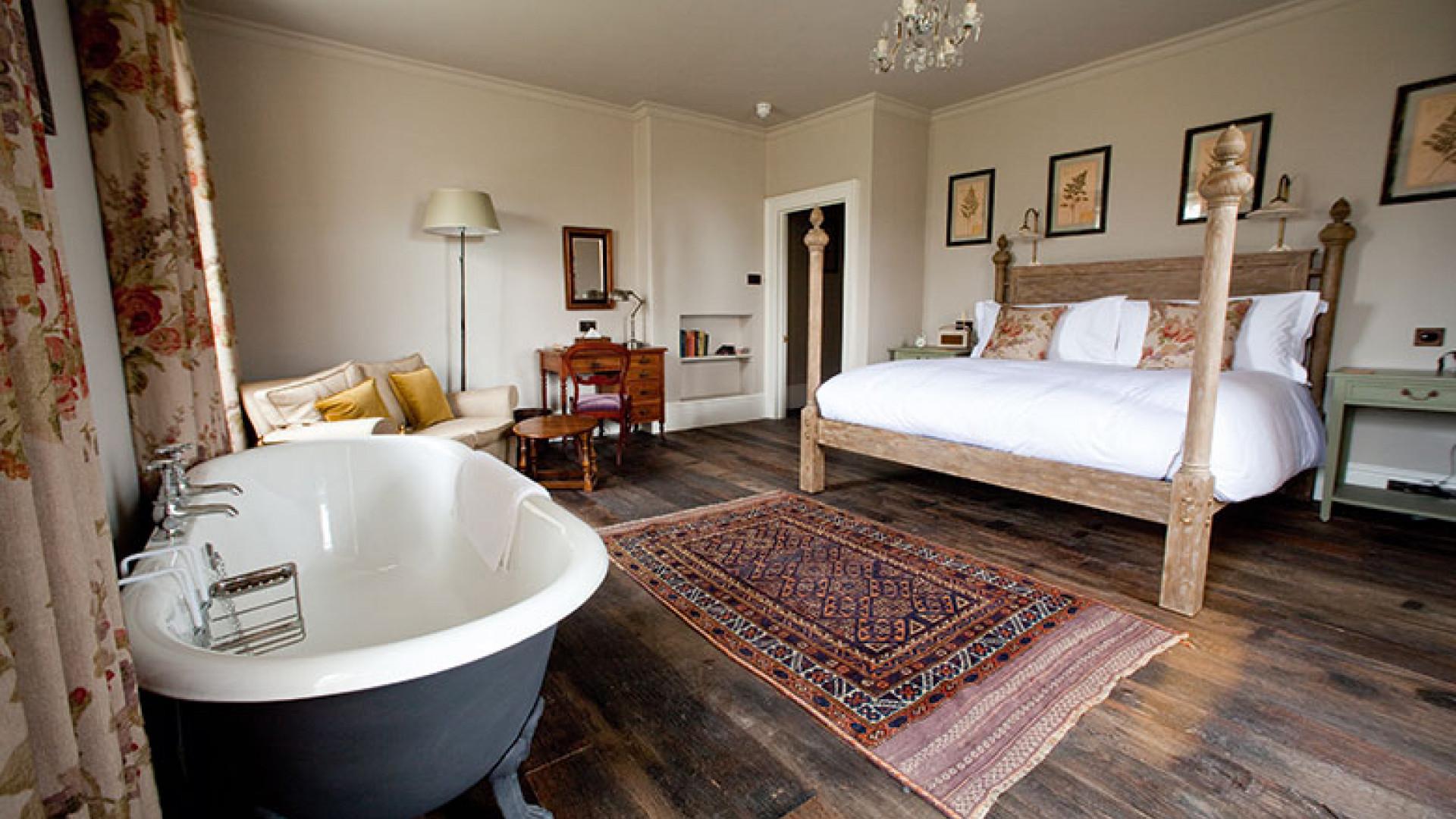 THE-PIG-near-Bath,-Bedroom