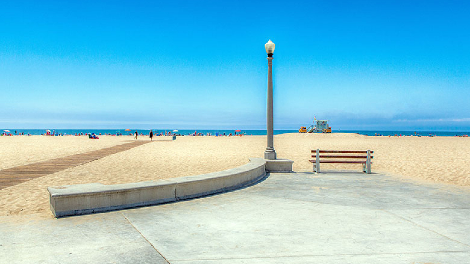 Beach-and-Bench