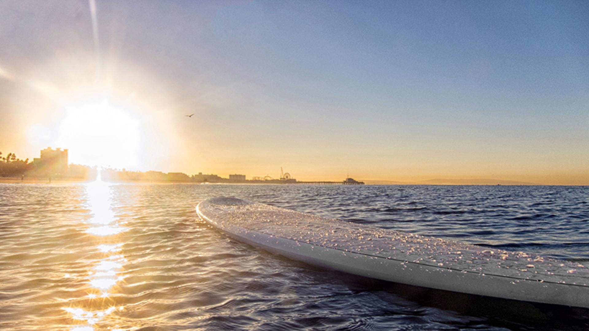 Surfboard-Ocean