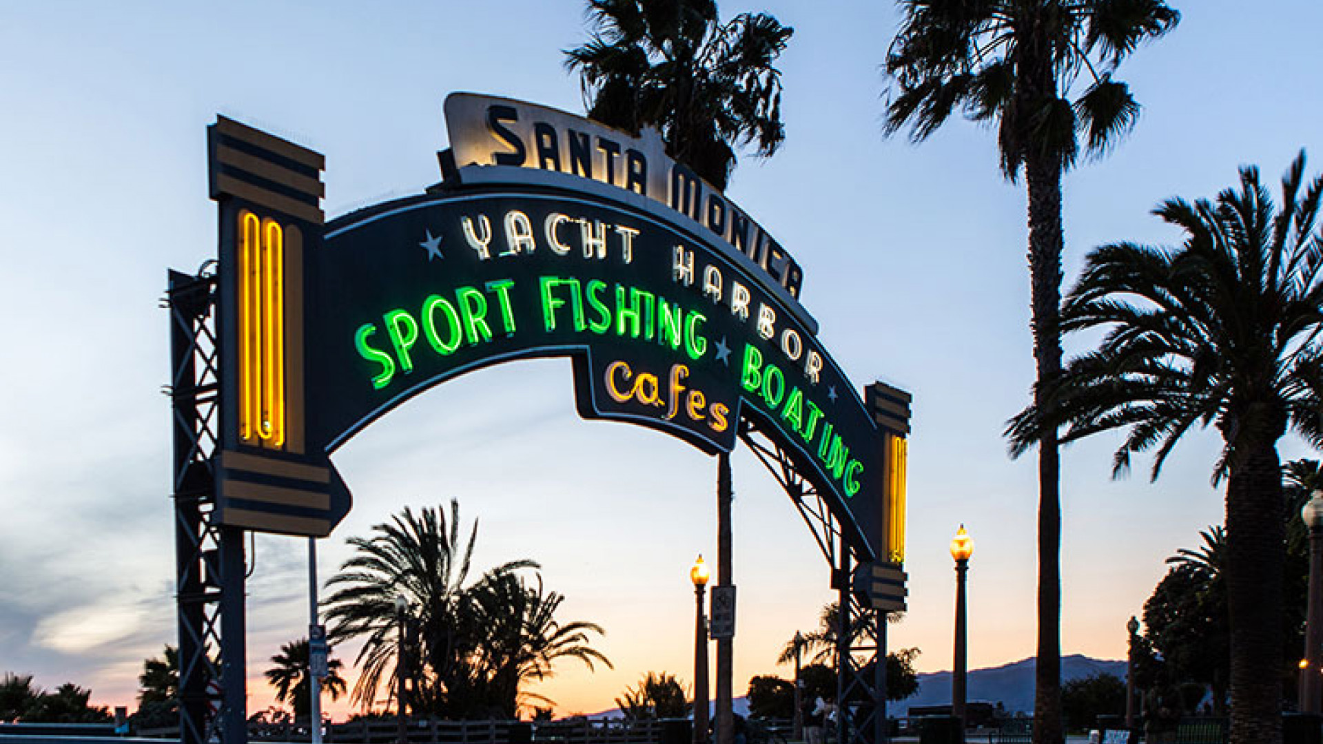 Yacht-Harbour-Sign