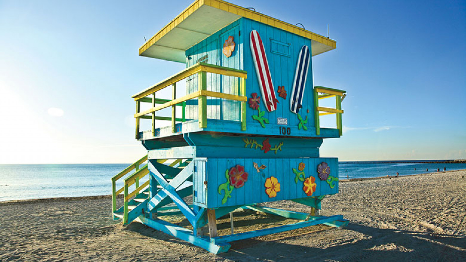Miami-Beach-Lifeguard-Hut