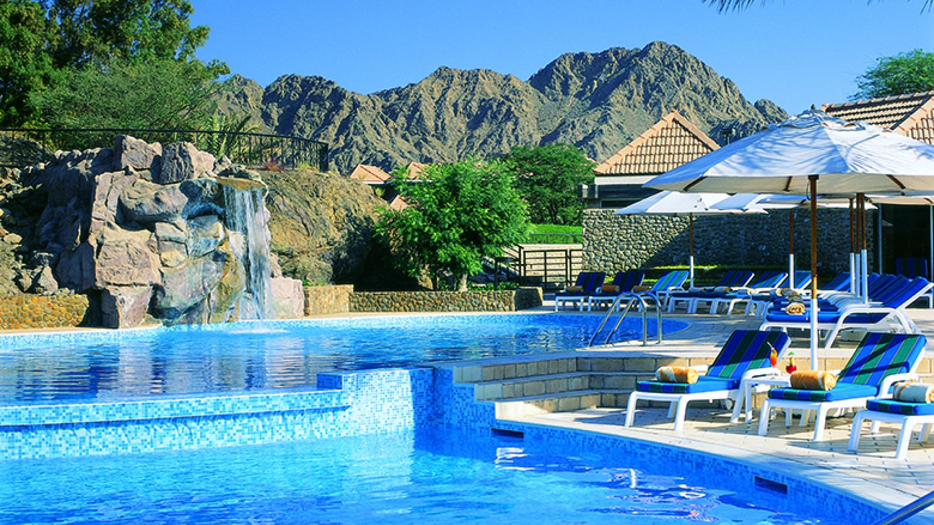 Hatta Fort Hotel - Rool Pool View (1)