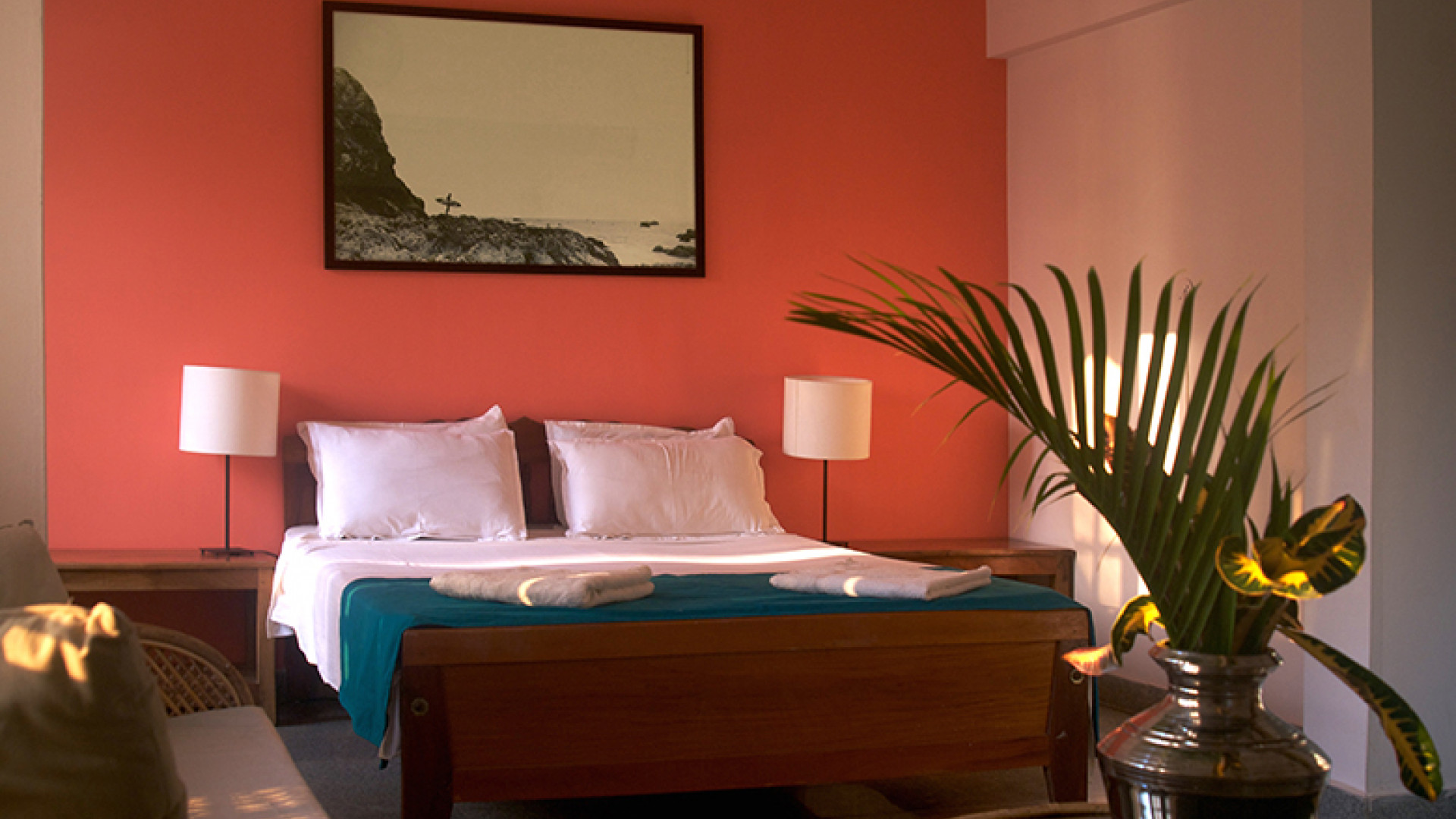 Soul-and-Surf-bedroom---orange