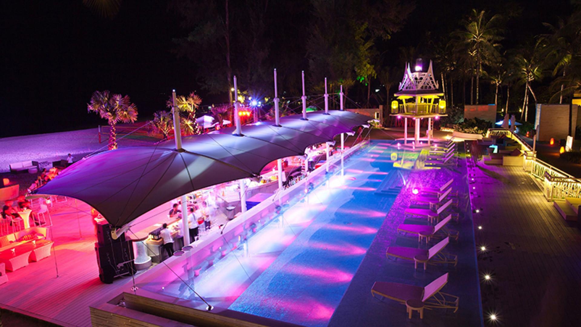 XANA-Night-pool