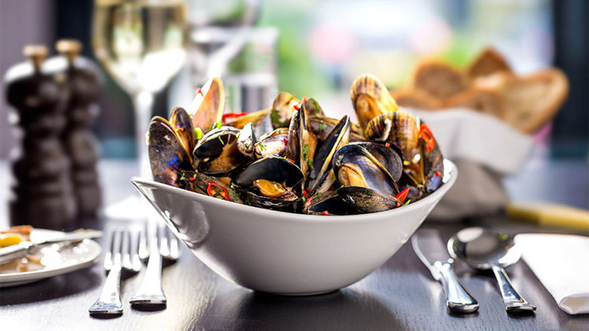 Smoked moules marinière at Blackwood's