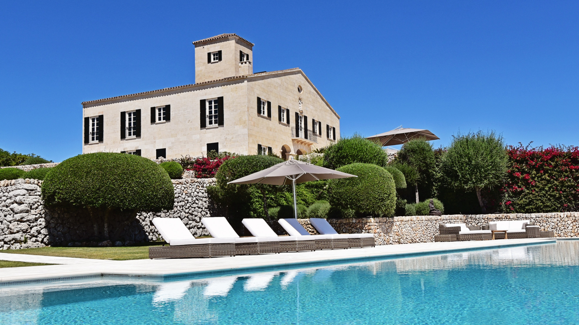 Cugo Gran luxury villa and b&b Menorca