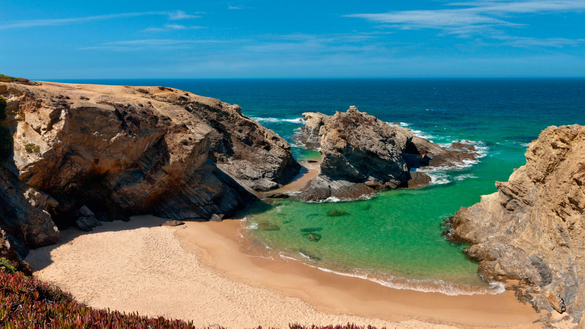 Gorgeous rugged coastline in Alentejo