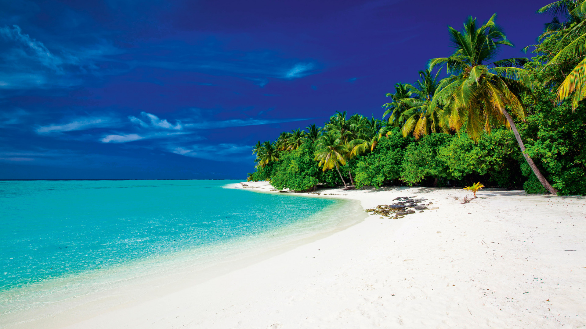 White sands and turquoise sea in Fiji