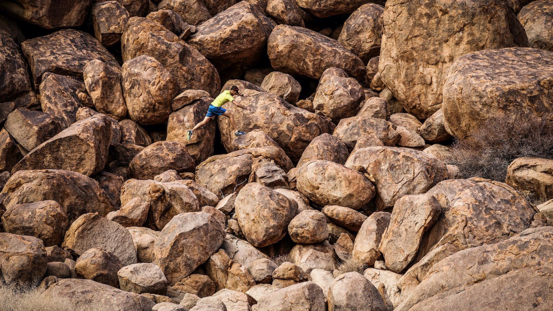 Boulder hopping at Richtersveld Wildrun