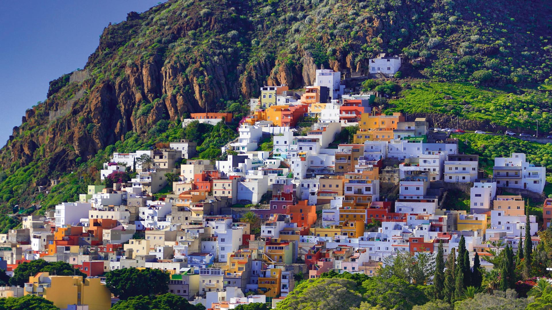 Sprawling hillsides in Tenerife
