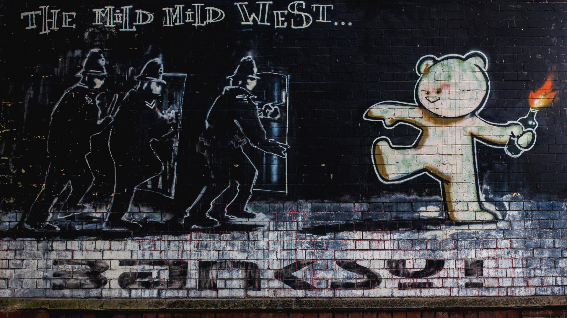 Banksy riot bear street art in Bristol