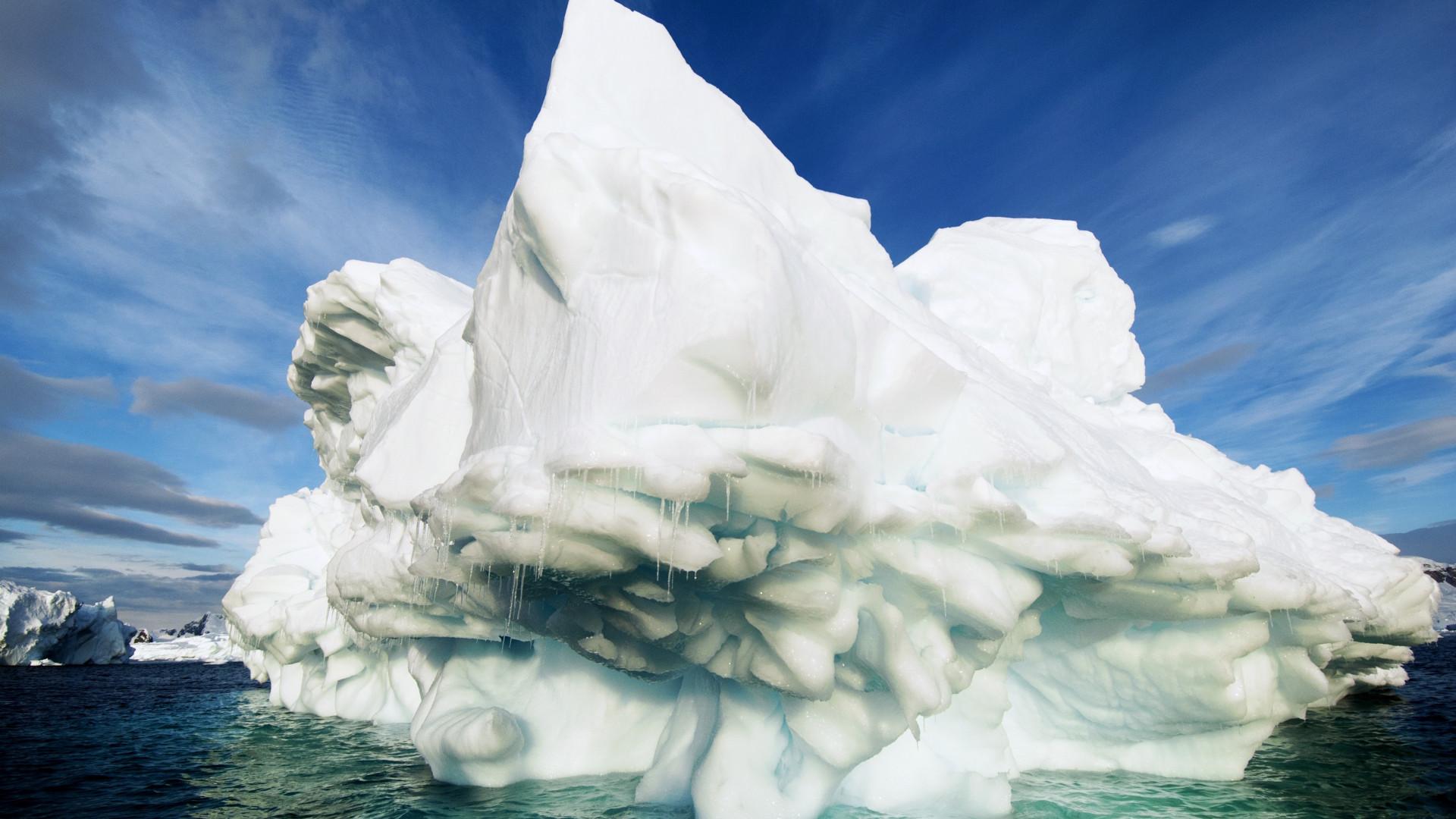 Exploding ice in Antarctica