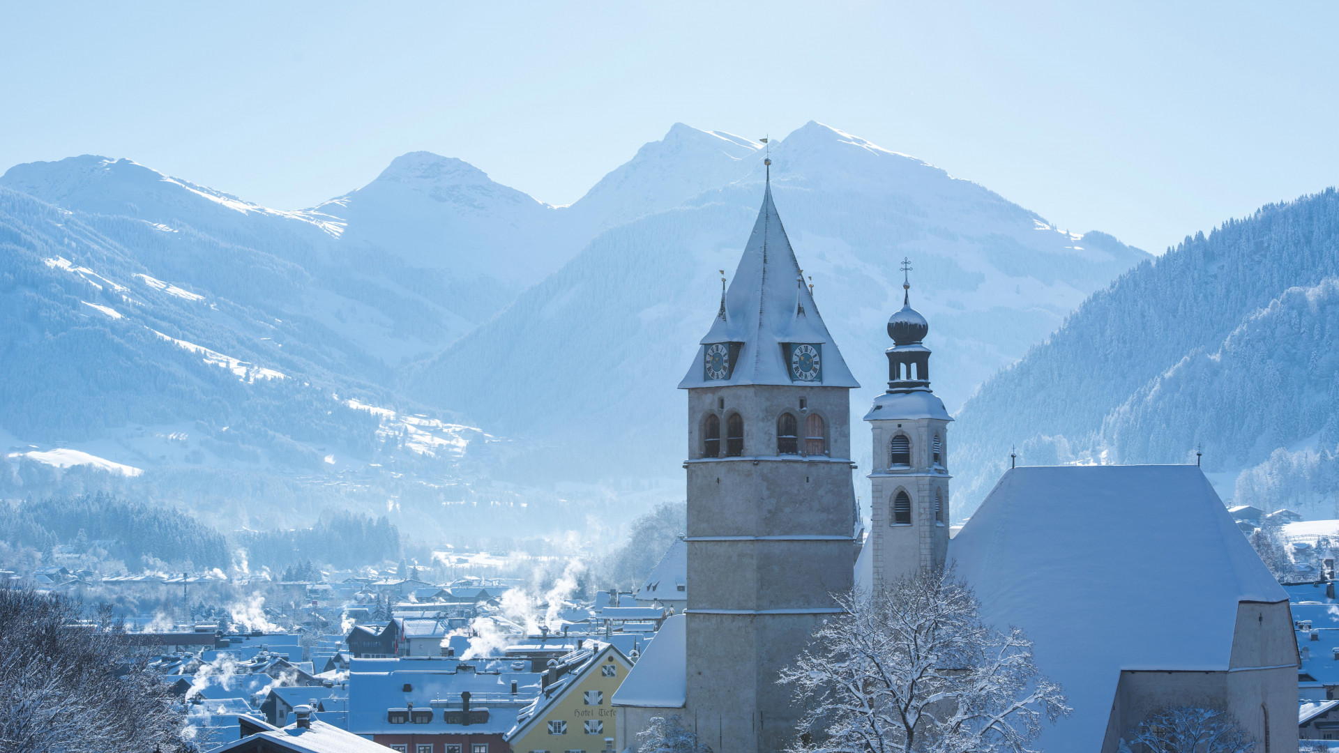 The centre of Kitzbühel covered in snow