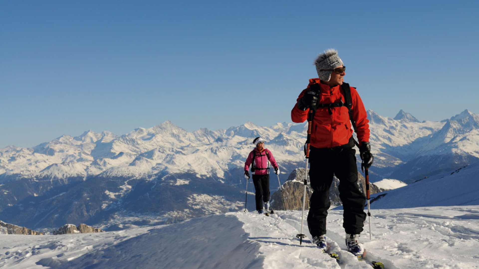Ski mountain climbers, Les Diableretes, skiing area Glacier 3000, Gstaad, West Alps, Bernese upper country, Switzerland, Europe