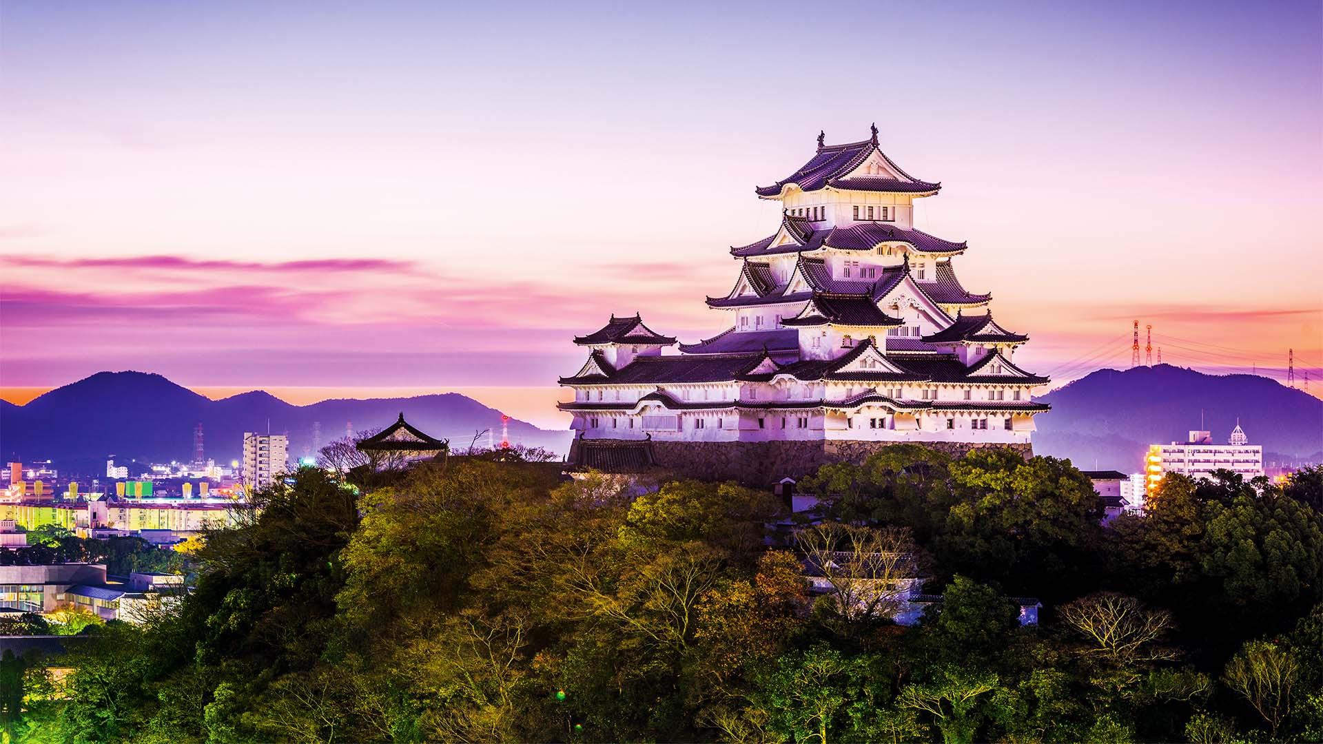 Himeji, Japan dawn at Himeji Castle.