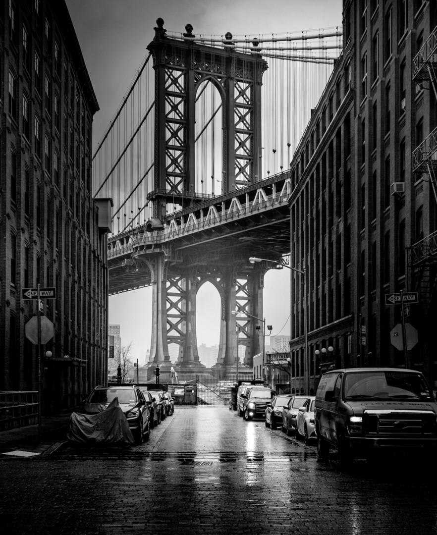 Brooklyn Bridge, New York in black and white, by Serge Ramelli