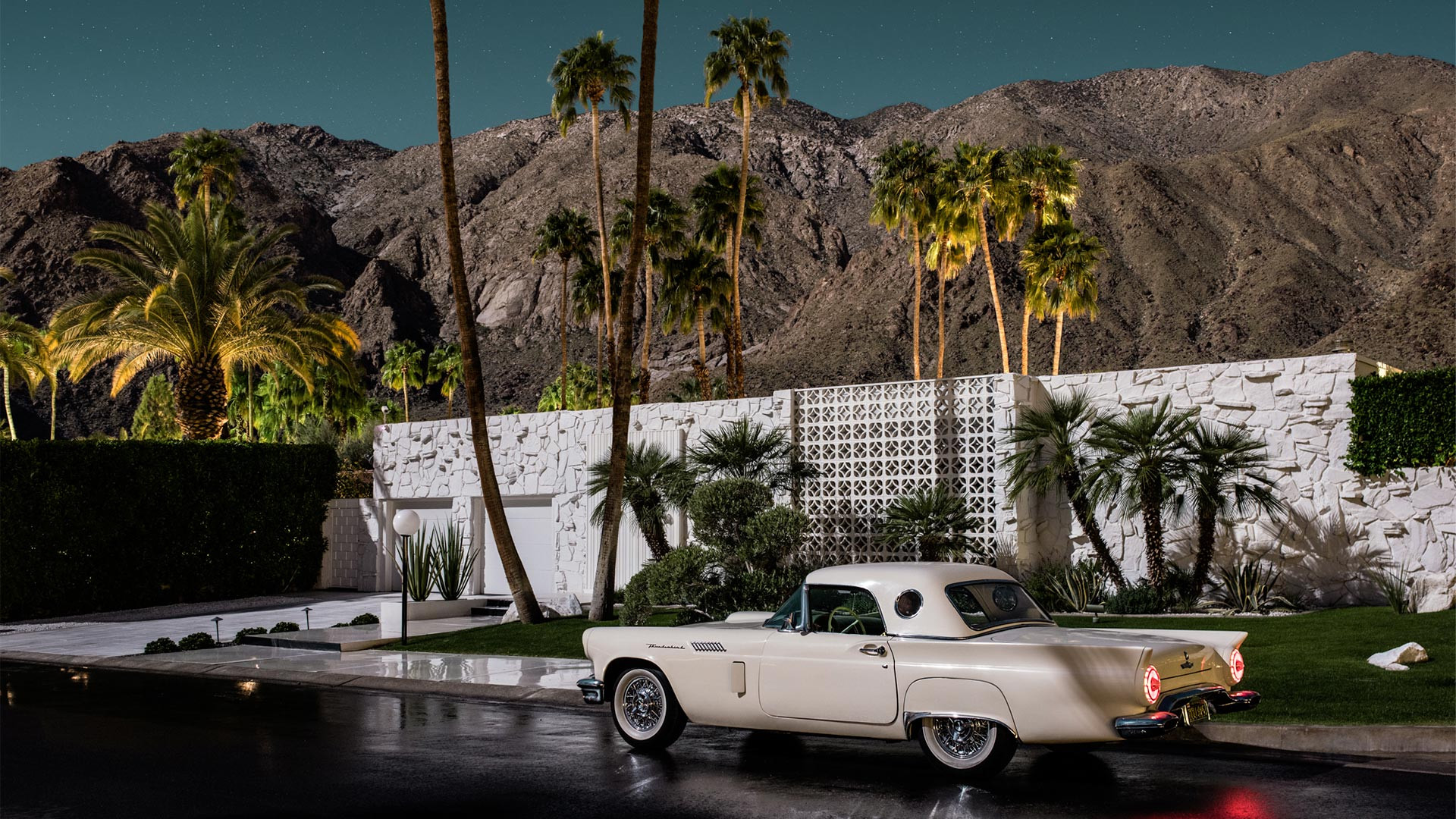Ford Thunderbird outside Abrigo Corner, Palm Springs