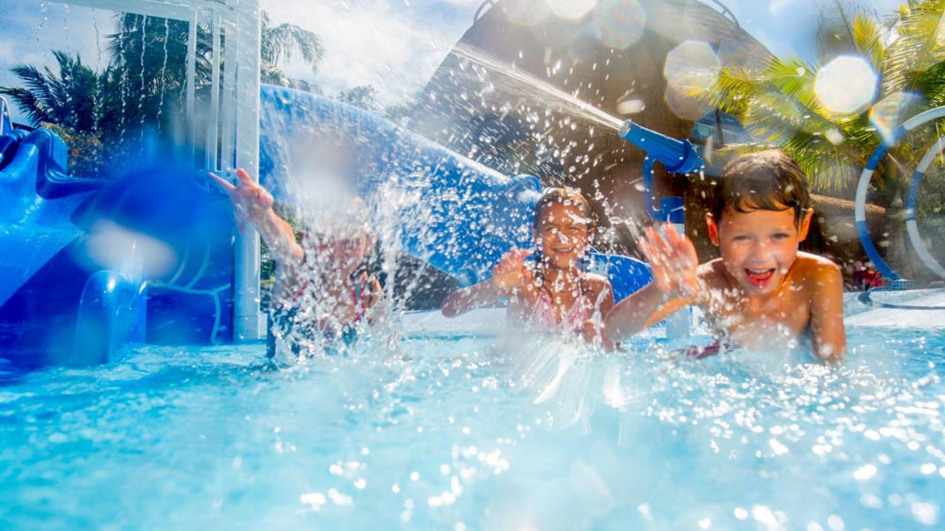 Kid's pool at Holiday Inn Kandooma Maldives