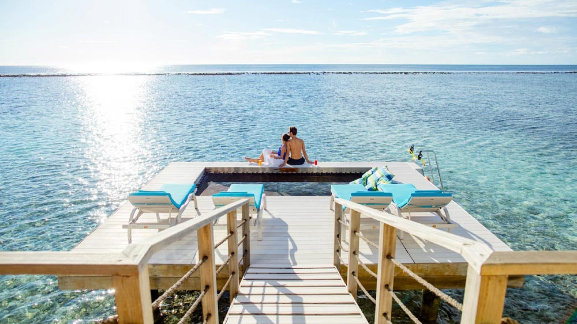 Overwater pool at Holiday Inn Kandooma Maldives