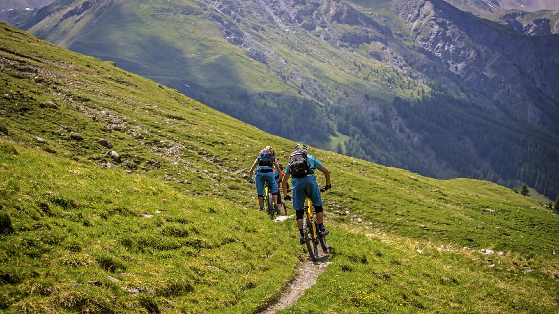 Riding a downhill section of the GR58 route in the southern French Alps
