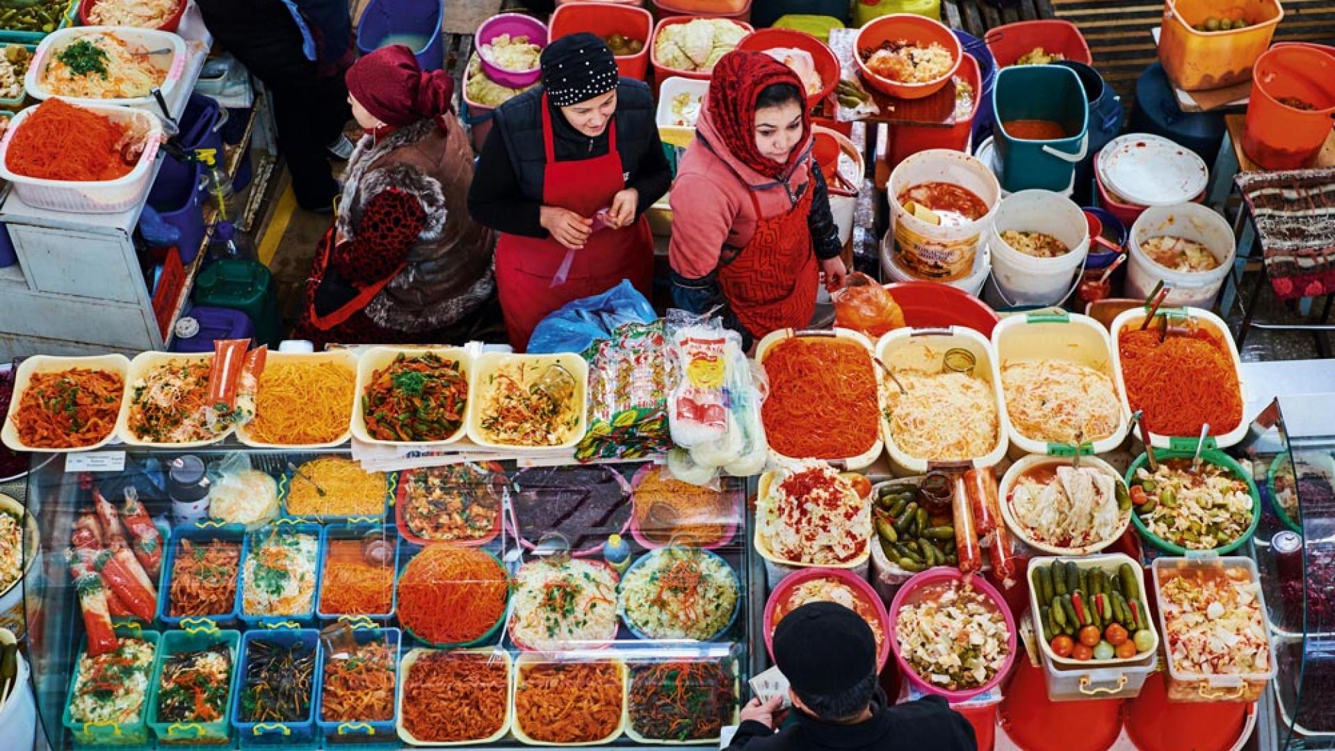Uzbekistan, Tashkent, Chorsu bazar, food market