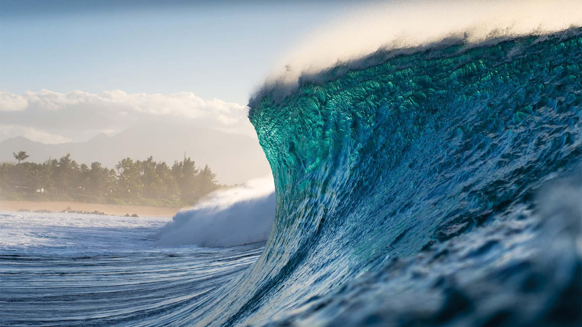 Famous surf break, Banzai Pipeline in Hawaii, USA