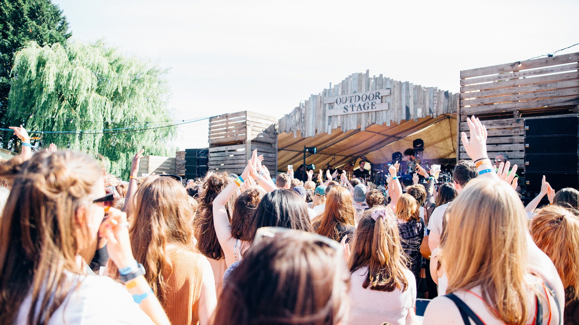 The outdoor stage at Barn on the Farm festival