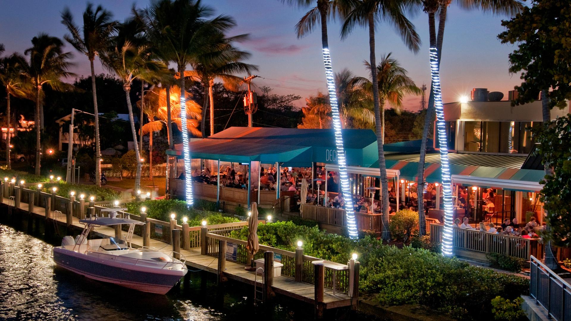 Deck 84 at The Palm Beaches