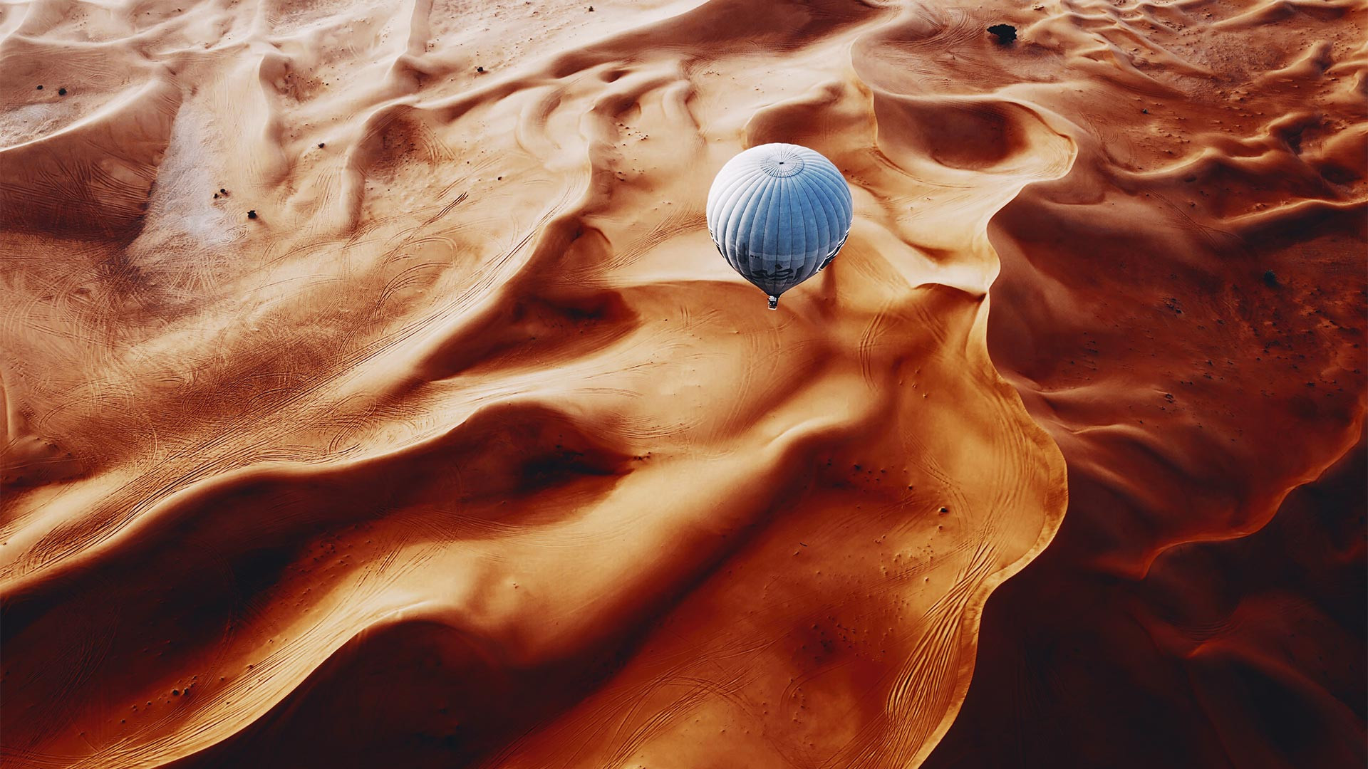 Hot air ballooning in the Dubai desert