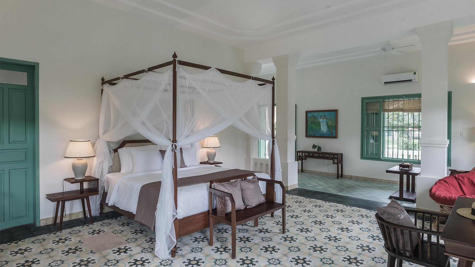 Poulo Condor's colonial suite