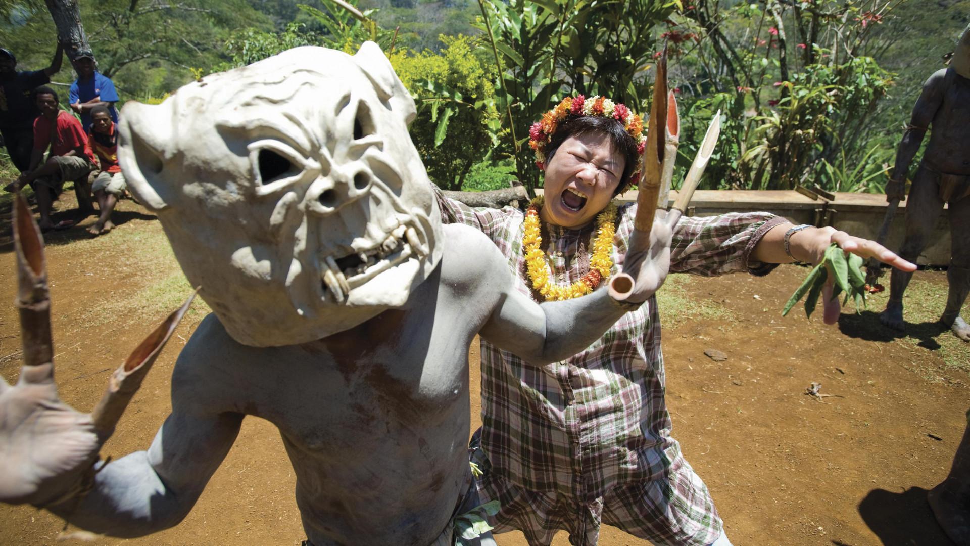 Asaro mudmen perform a sing-sing