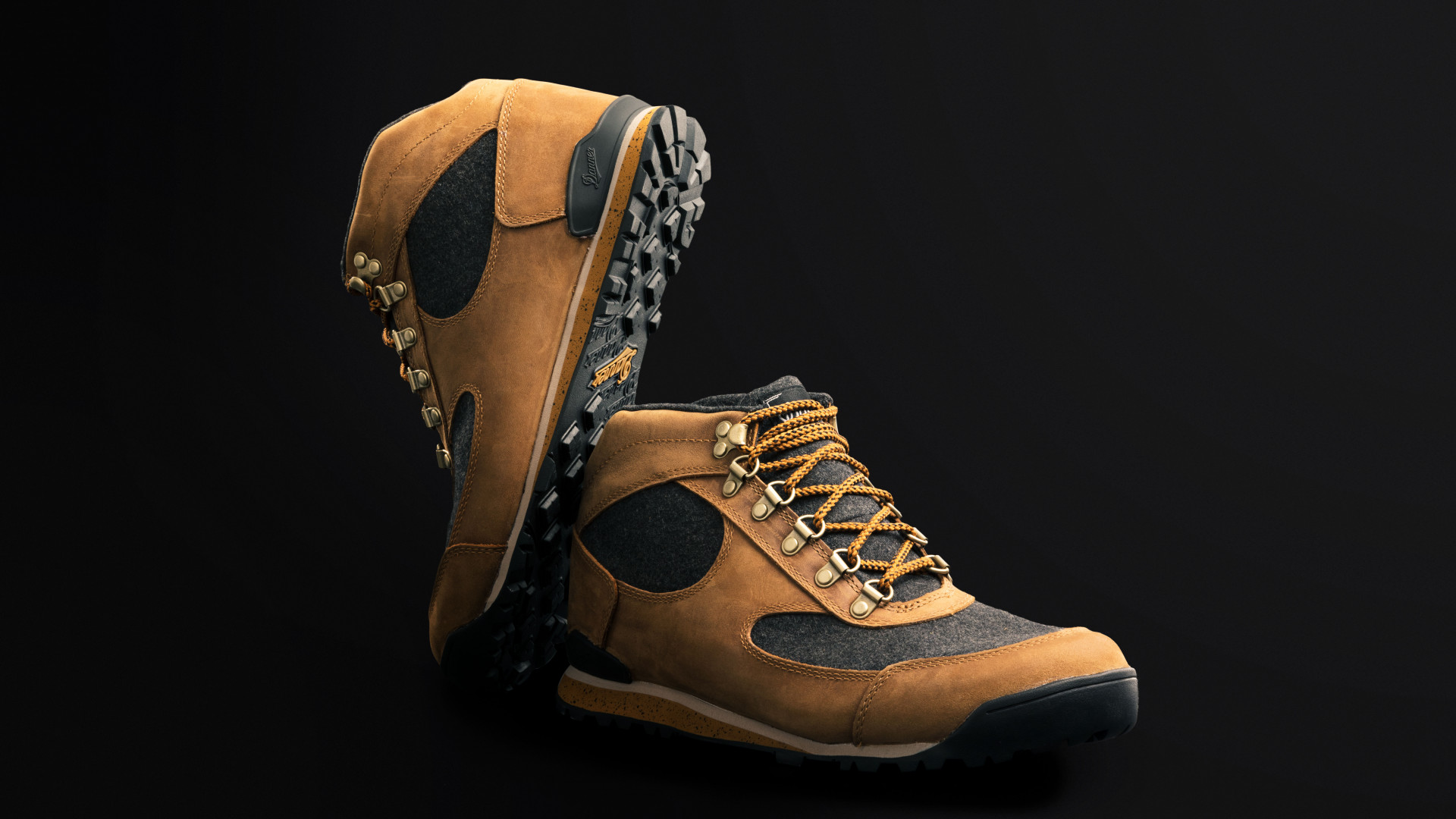 Danner Jag Wool Hiking Boot Gear Review Escapism Magazine