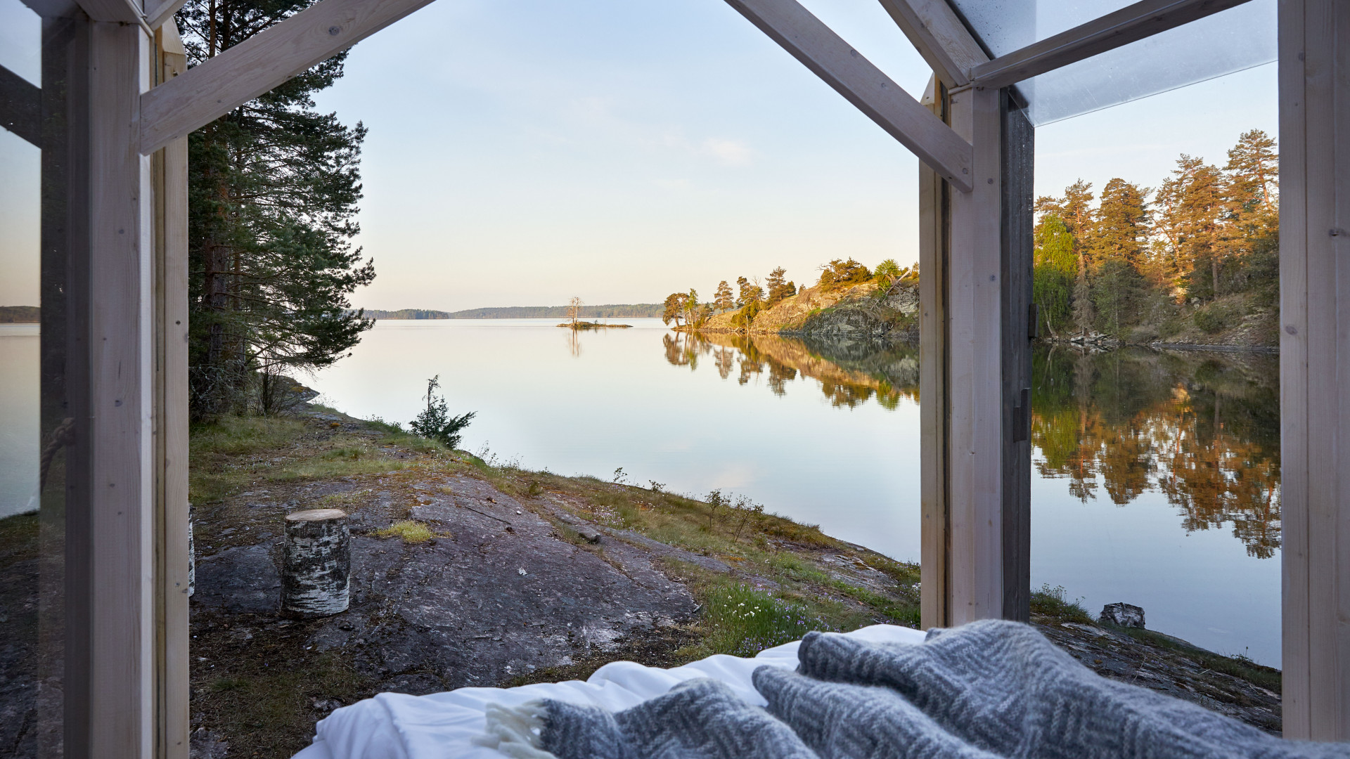 72 Hour Cabin on Henriksholm island