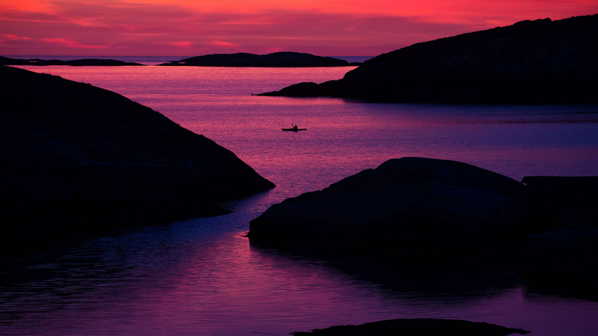 Weather Islands kayaking at Sunset, West Sweden